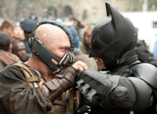 DARK KNIGHT RISES BANE AND BATMAN
